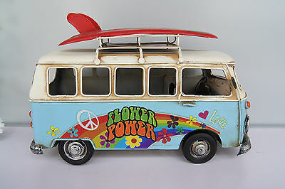Nostalgie Bus aus Blech Flower power, Love, Peace mit 2 Surfbretter   27cm