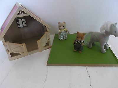 Sylvanian  Family Vintage Figures Pony And Stable