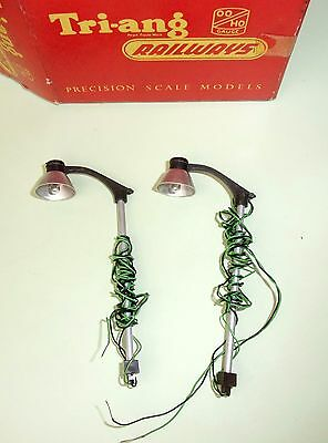 Triang RT266 Station Lamps platform accessories OO set of 2 working boxed
