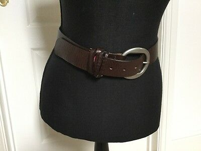 """Brown Leather Levi's Jeans Belt  - Size Small  - 30""""-34"""" Waist - New"""