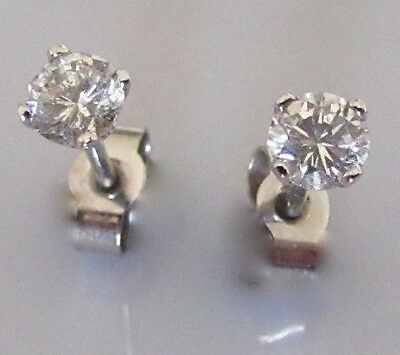 Secondhand White Gold Round Cut Diamond (2x0.10ct) Stud Earrings (Pierced ears).