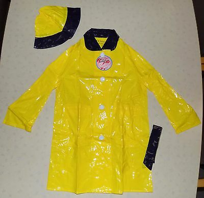 "VINTAGE 1970s UNWORN ""LEETOGS"" YELLOW PVC RAINCOAT, HAT & BELT SET AGE 5-6 YEARS"