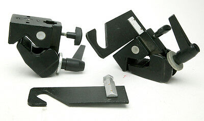 Manfrotto Single Hook Set # 2911 & Two Super Clamps #035 For Background Rod. Ex.