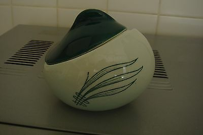 Carlton Wear SMALL Dish & LID PALE GREEN WITH DRK GRN