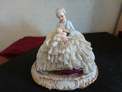 Beautiful Italian Porcelain Crinaline Lady And Baby