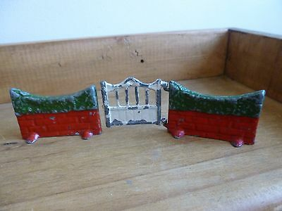 An Old Painted Lead Taylor & Barrett - Britains  Gate, Wall & Hedge Set-3 Pieces