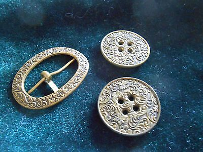Matching Vintage Metal Buckle And 2 Metal Buttons   (H)