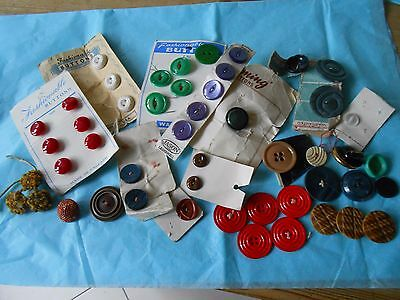 Selection Of Vintage Buttons On Cards  (H)