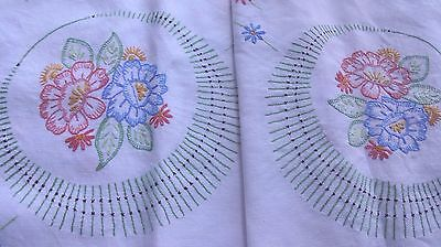 Vintage Hand Embroidered - White Linen Tablecloth - Beautiful Embroidery