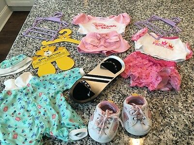 Build-A-Bear ToY Black & Silver skateboard And Clothing Lot +shoes