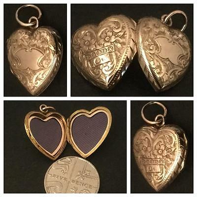 An Immaculate Edwardian 9Ct Rose Gold Heart Shape Locket Hallmark Chester 1910