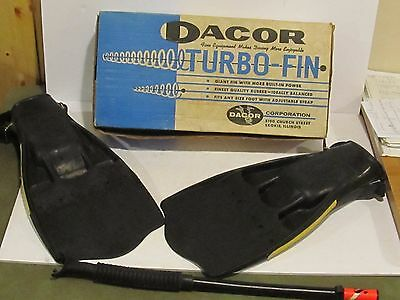 VINTAGE 1960'S SCUBA DIVER - SNORKELING - DACOR TURBO FINS - one size fits all +