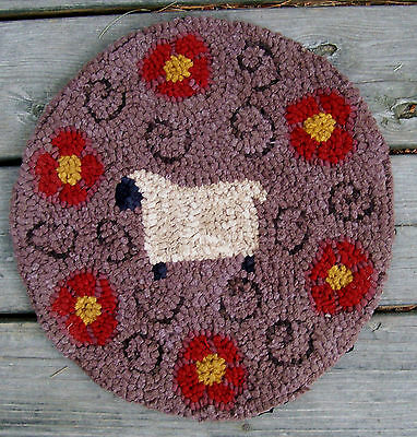 SHEEP with POSIES Round Primitive Rug Hooking  Kit  with #8 cut wool strips