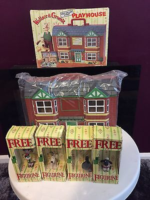 WALLACE & GROMIT WASH N GO  HOUSE BOXED  New With 4 Collectible Figures New