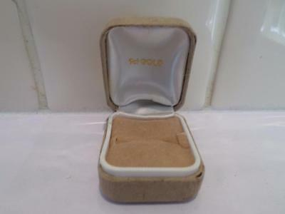 Wonderful Vintage Jewellery Box. Retro Jewelry Case. Old Jewellers Ring Box