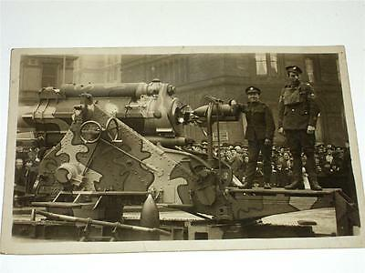 Two Soldiers With Large Gun, Liverpool Parade - Ww1, Wwi  Military Rp Postcard!