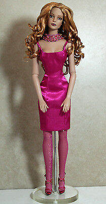 "R. Tonner, High Style Sydney L.E., Fashion Doll, tw1492 16""H  w/Box"