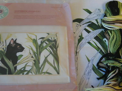 """New Vintage 1989  Sophisticated Cat amid Flowers Crewel Embroidery Kit 11"""" x 16"""""""