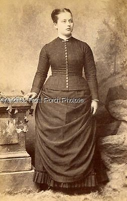 ANTIQUE CABINET PHOTO LOVELY WOMAN w FASHION DRESS by FOWLER of LANCASTER PA