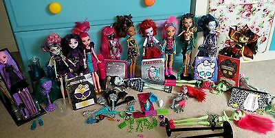 monster high bundle of dolls and accessories