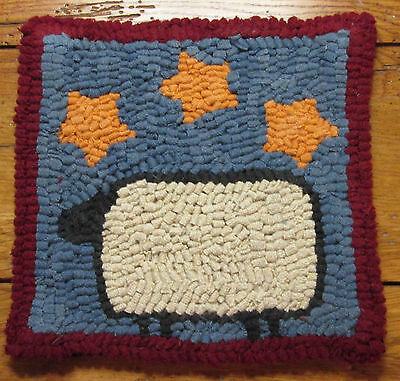 BEGINNER SHEEP WITH STARS  Primitive Rug Hooking Kit with cut wool strips
