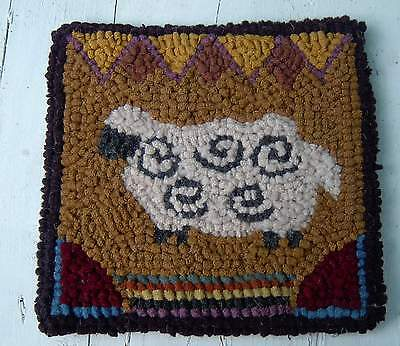SHEEP WITH BORDER Beginner Primitive Rug Hooking Kit with wool fabric strips