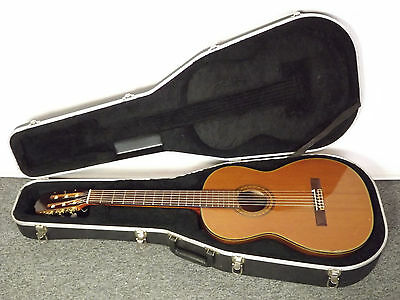 Takamine Japan 132S Solid Top Classical w Hard Case