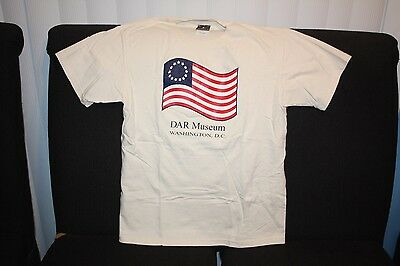 DAR Daughters of the American Revolution Museum T-Shirt Small