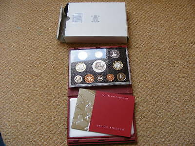 Royal Mint Proof Set 2003 Red Case, Outer Box + COA Lot#2