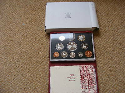 Royal Mint Proof Set 1997 Red Case, Outer Box + COA Lot#3
