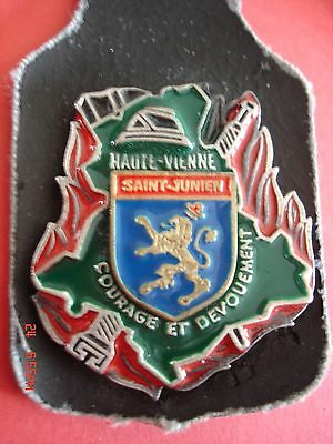 Joli Ancien Et Rare(Obsolete) Insigne Collection  Pompiers   Saint Junien  -  87
