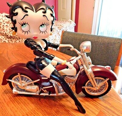 W@@w!! Check Out This Awesome Betty Boop Rare Figurine Motorbike Betty