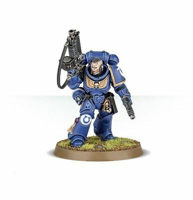 Primaris Space Marine Lieutenant with Rifle - Dark Imperium - Warhammer 40k