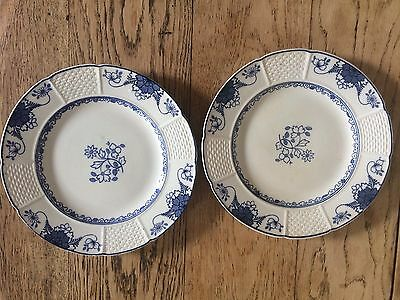 Wedgwood : Saxon Plates x 2 (Blue and White)