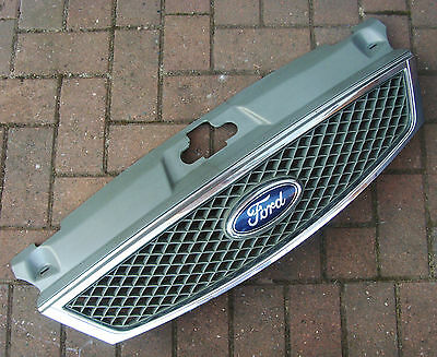 Ford Mondeo Mk3   - Facelift 2003 - 2004   Front Bumper Grill