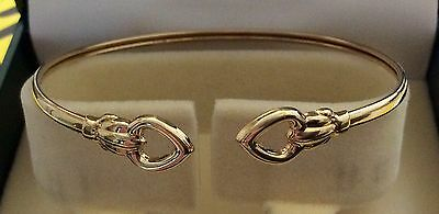 Lovely Ladies 9ct Gold Pretty Heart Design Torque Bangle Nice