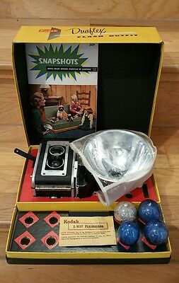 Vintage Antique ca.1947 Kodak Duraflex ll 2 Flash Outfit Camera + Original Box