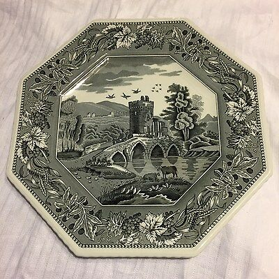 Spode Archive Sutherland Collection Luciano black octagonal plate