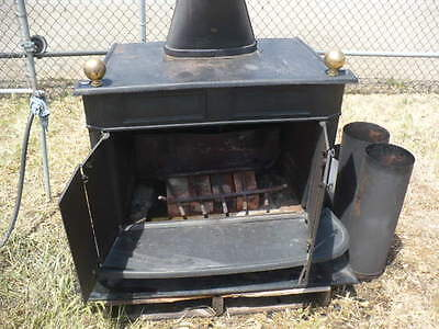 Vintage Montgomery Wards Wood Burning (Heater) Cast Iron Stove VMT-21017R