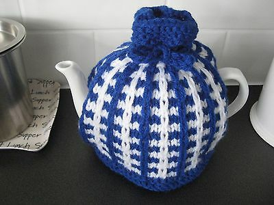 Hand knitted tea cosy, Retro pattern, blue and white , medium size