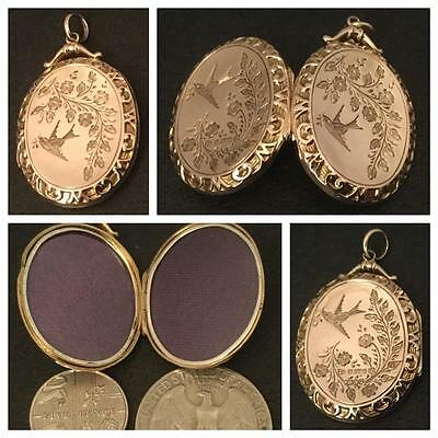 A Gorgeous Large Oval 'lovebirds Design' Solid 9Ct Gold Locket Hm. Chester 1911