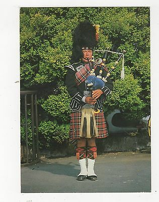 The Scottish Piper At The Famous Old Blacksmiths Shop Gretna Green Postcard 352a