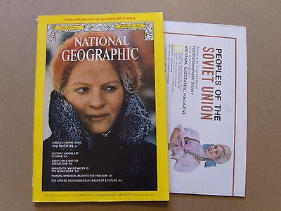 National Geographic Magazine - February 1976 - Double Soviet Union Map Included