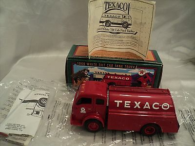 ERTL Collectible Replica 1996 Texaco Diecast Metal of a 1949 Tank Truck Bank #13