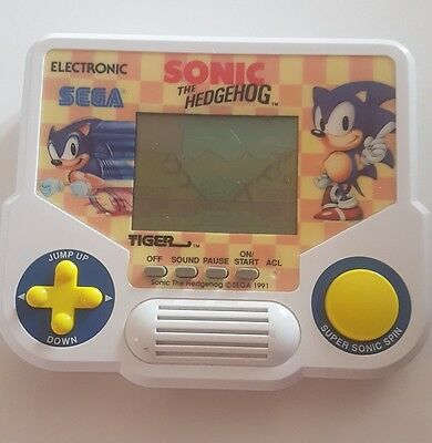 Tiger 1988 Electronic handheld game - sonic the hedgehog