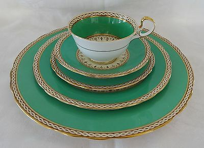 AYNSLEY DESBOROUGH Green Band  Gold Trim 5 Pc Place Setting 3 plates cup saucer