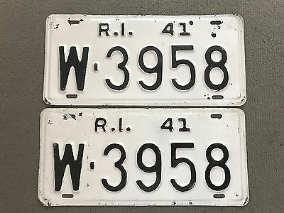 1941 Rhode Island license plates repainted, holes FREE SHIP to US