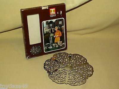 Trivet Irvinware 1971 Box Chrome Plated Filigree Rubber Feet 11510 Irvin Ware