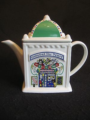 WADE POTTERY COCKLESHELL COVE 'PIER THEATRE' TEAPOT ENGLISH LIFE SERIES c.80's