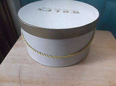 Vintage Gray and Gold Wolf's Des Moines, Iowa, Women's Cardboard Hat Box